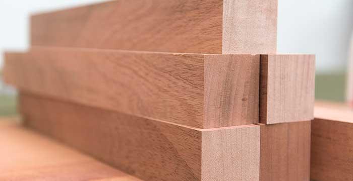 Mehr Und Mehr Löst Holz Werkstoffe Wie Metall, Beton Oder Kunststoff Im  Innenausbau Ab. Die Verarbeitung Ist Zwar Aufwendig Und Nicht Immer  Einfach, ...