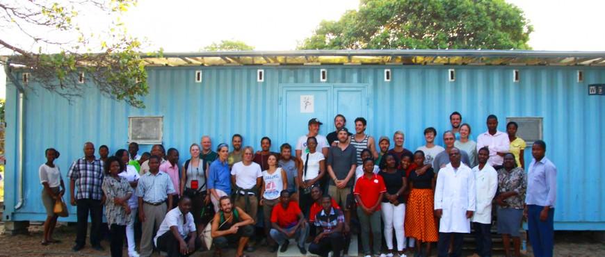 Zahnprophylaxe-Container für Afrika-das gesamte handwerkerteam